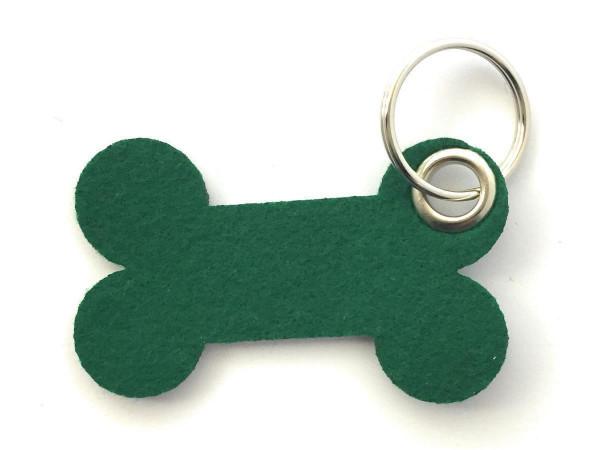 Knochen / Hundeknochen - Filz-Schlüsselanhänger - Farbe: waldgrün - optional mit Gravur / Aufdruck